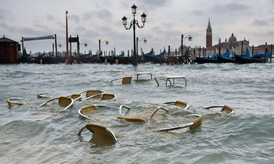 Venice 'high water' floods 70% of city   Natural Disasters   Scoop.it