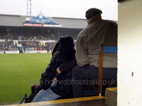 ON FATHER'S KNEE » The Homes of Football | Amazing Rare Photographs | Scoop.it