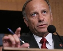 Rep. Steve King Says $20 Billion Cut In Food Stamps Won't Be 'Noticeable' | Daily Crew | Scoop.it