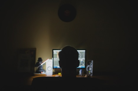 Children who use social media for three hours a night more fed up with how they look | ESRC press coverage | Scoop.it