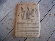 Antique Witch Costume Brings Big Bucks, Some Assembly Required | Antiques & Vintage Collectibles | Scoop.it