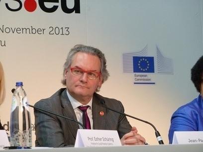 Journées européennes du Développement 2013 : Jean-Pascal Labille plaide en faveur d'une couverture sociale universelle   International aid trends from a Belgian perspective   Scoop.it