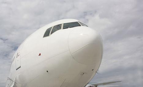 De 4.5 horas a 24 minutos para pintar una sección del Boeing 777 ... - Omicrono   Aviación Española   Scoop.it