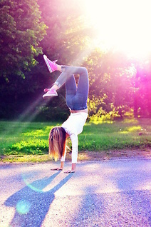 Upside down is good for you: 10 Benefits of Yoga Inversions | Yoga Invader ENGLISH | Scoop.it
