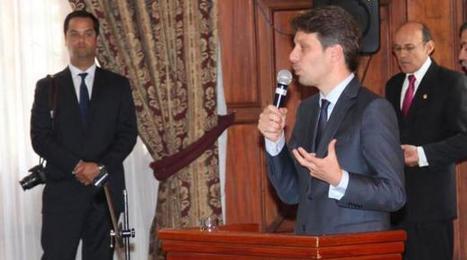 Ecuador busca salir de economía primaria, dice canciller Long | Estrategias de Competitividad 2.0: | Scoop.it