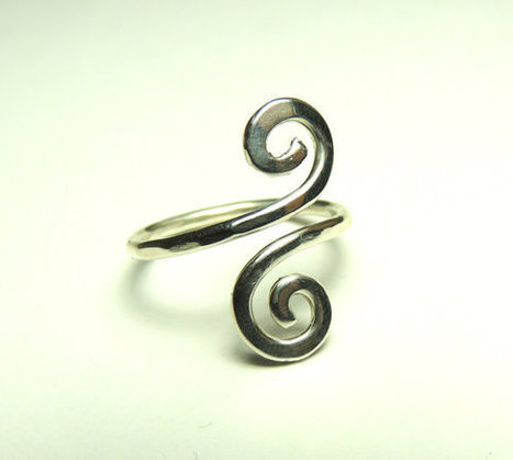 Curly wire ring - sterling silver wire gauge 16 - handmade hammered | Sterling silver wire rings | Scoop.it