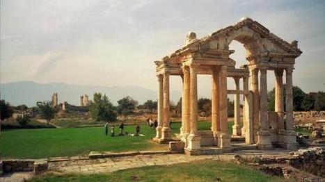 Afrodisias, antigua ciudad que lleva el nombre de Afrodita, la diosa de la belleza y el amor   LVDVS CHIRONIS 3.0   Scoop.it