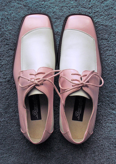 DEADSTOCK Two Toned Pink and White Mens Shoes par fifisfinds   mens shoes online   Scoop.it