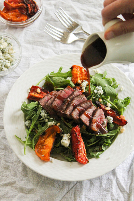 #HealthyRecipe : Arugula Salad with Beef, Blue Cheese, and Tomatoes | The Man With The Golden Tongs Goes All Out On Health | Scoop.it