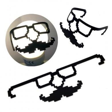 Décoration d'Ampoule Moustache Dr Geek - Cadeau Maestro   Sélection idées cadeaux   Scoop.it