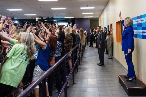 La minute selfie d'Hillary Clinton : un phénomène naturel, logique et moderne | Be Marketing 3.0 | Scoop.it