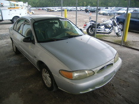Salvage 1998 silver Ford Escort Se/ with VIN 1FAFP13P1WW175664 on auction | VEHICLES on Auction | Scoop.it