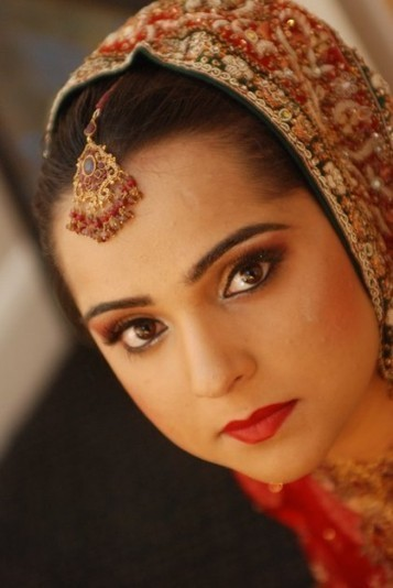 What is the best eye makeup used by cosmetic experts for Indian skin tones? | Asian Makeup Artist London | Scoop.it