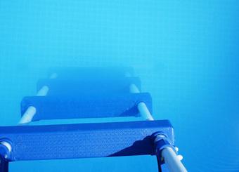 Mon eau de piscine est trouble & blanchâtre que faire ? | Loisirs et découverte | Scoop.it