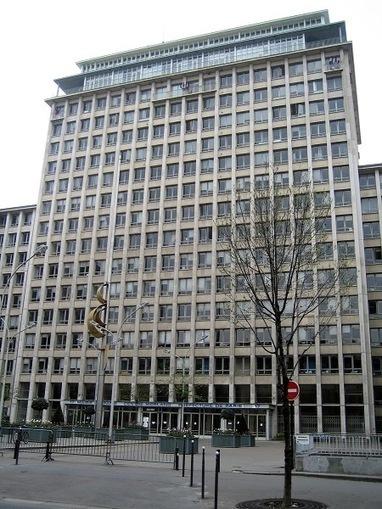 300.000 € de budget en moins pour les bibliothèques de Paris | BiblioLivre | Scoop.it