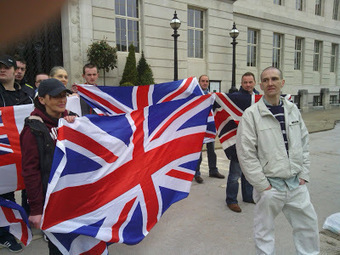 THE NATIONALIST CORRESPONDANT: Union Flag protest at Barnsley Town Hall. | Ulster is forever British | Scoop.it