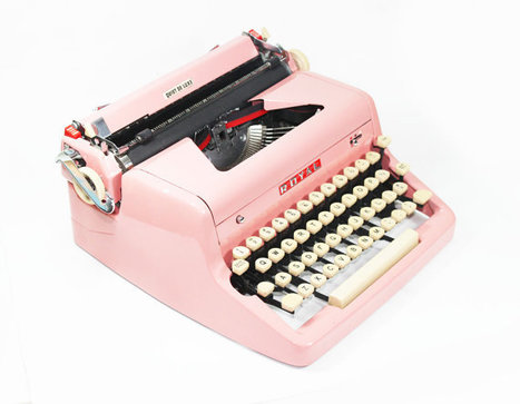 1955 Bright Pink Royal Quiet De Luxe Manual Typewriter | Antiques & Vintage Collectibles | Scoop.it