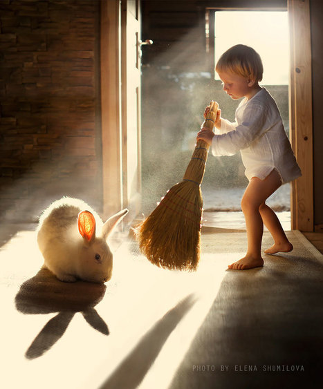 Russian Mother Continues To Take Magical Photos Of Her Two Kids With Animals On Her Farm | Food for Pets | Scoop.it