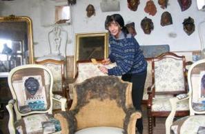 Castelnaudary. Dans son atelier, Catie fait danser les tissus - LaDépêche.fr | Tissus d'ameublement haut de gamme | Scoop.it