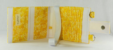 Women's Wallet  Organizer with Card Slots - 2 in 1 - Yellow and White Palms | Tramp Lee Designs Bags | Scoop.it