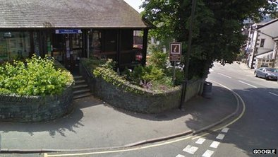 Windermere tourist centre given lifeline by bus firm   Windermere And Bowness   Scoop.it