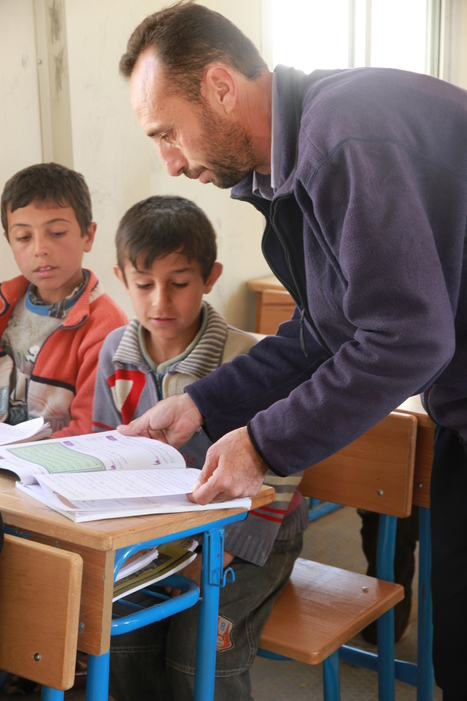 Syrian refugees make the best of temporary schools | International Development | Scoop.it