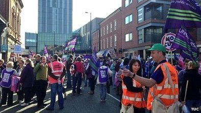 Thousands take part in NHS protest | Unions and Labour | Scoop.it