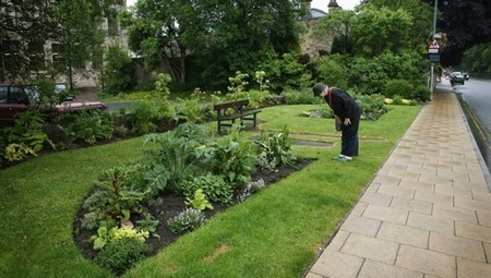 Todmorden: A town where greenthumbs, not sticky fingers, prevail | Local Economy in Action | Scoop.it
