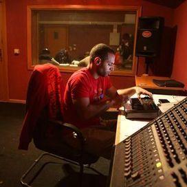 Phase #1 : DJ Van | Uni'Sons présente : MC Connexion | Scoop.it