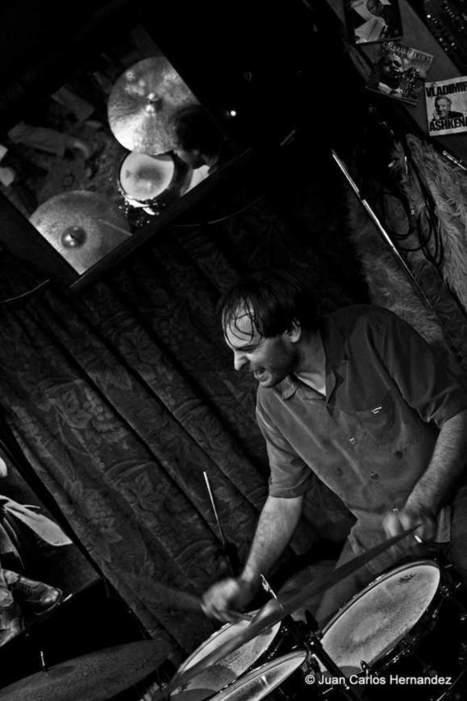 """""""La #photographie d' #AriHoenig est l'oeuvre de l'Audacieux #JuanCarlosHernandez """" #photo #jazz #batterie #Smalls #NYC   Jazz and music   Scoop.it"""