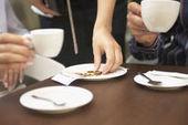 Les cafés les moins chers de Paris - L'Express | Ritualités autour du café entre France et Italie | Scoop.it