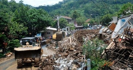 19 dead and 8 still missing after landslides and flash floods hit Indonesia   The Mystery Vault   Climate Chaos News   Scoop.it