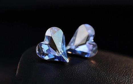 Transparent Heart-shaped Swarovski Crystal Earrings - DearyBox | Jewellery On-line Boutique Shop | DearyBox.co.uk | Women's Earrings | Scoop.it