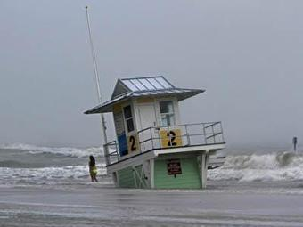 Twitter, Facebook and smartphones replace TV for some Tropical Storm Debby watchers in Tampa Bay area | TV shows, TV news, media issues: The Feed | Tampa Bay Times | TVFiends Daily | Scoop.it