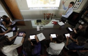 iPad Apps for High School | iPad in Schools | i pads and school libraries : Suggested by Wendie Sittenfield, M.I.S.  Library Media Specialist | Scoop.it