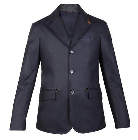 The three-buttoned century champion jacket: informal and elegant with the right tailoring quality | Le Marche & Fashion | Scoop.it