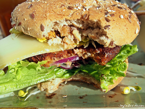 Veggie Burger Wurzelsepp at Hans im Glück Stuttgart | Loving Life at its best | Scoop.it