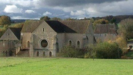 A la découverte de l'abbaye de Fontmorigny, dans le Cher - Francetv info   Parcs et Jardins à visiter dans le Val de Loire   Scoop.it
