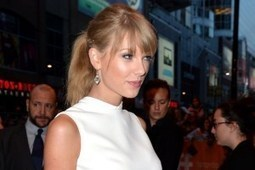 Taylor Swift Gets a 'Corn-y' Welcome in Rhode Island | Country Music Today | Scoop.it