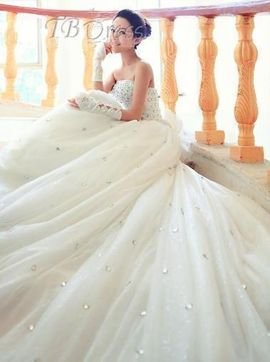 Charming A-line Floor-length Strapless Beading Bowknot Cathedral Wedding Dress | a la mode | Scoop.it