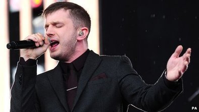 BBC - Newsbeat - Plan B plays Hackney amid rainstorm | Interesting News Stories | Scoop.it