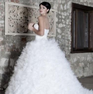 Kabarık Gelinlik Modelleri 2013   Dantelli Elbiseler   Scoop.it
