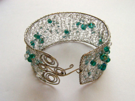 Wire Wrapping Jewelry - Make Wire Bangles with Beads   Making Wire Jewelry   Scoop.it