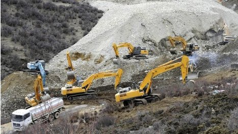 """Search for miners buried in Tibet 