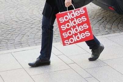 Ouvertures des soldes: «le comportement des consommateurs français a muté» | La-Croix.com | Recherche de sens, développement de la personne et vie en société | Scoop.it