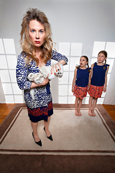 Domestic Bliss: Mother Of Two Takes Darkly Humorous Family Photos... | Art for art's sake... | Scoop.it