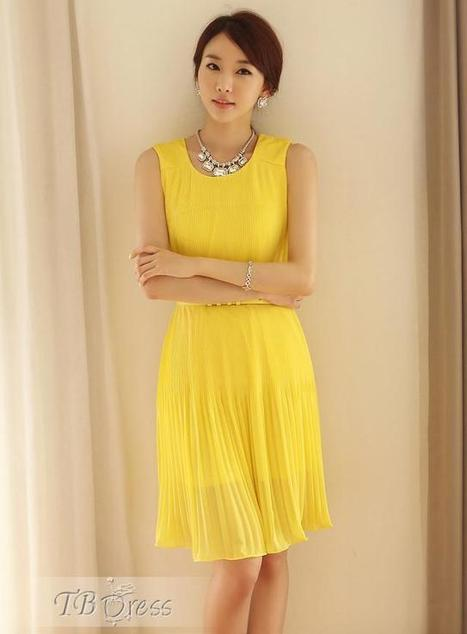 $ 23.29 Handsome Slim Pleated Sleeveless Pure Color  Dress | fashion | Scoop.it