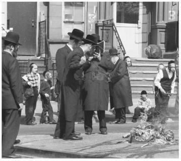 Jewish Americans - History, European life, Immigration waves, Settlement patterns, Acculturation and Assimilation | The Discrimination of Jews in the U.S. | Scoop.it