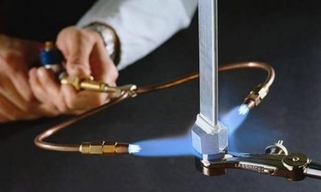 Un chalumeau qui transforme l'eau en feu   Actinnovation©   ...SUR LE FUTUR   Scoop.it