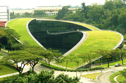 The Green Roof Building at the Nanyang Technological University in Singapore is an Ecological and Visual Masterpiece | VitoDiBari.com | Vertical Farm - Food Factory | Scoop.it